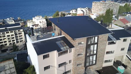 Edificio Bariloche: Condominios de estilo  por Aguirre Arquitectura Patagonica
