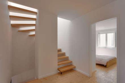 CASA VALE: Escadas  por MARLENE ULDSCHMIDT