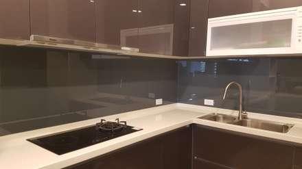 廚房:  廚房 by 懷謙建設有限公司