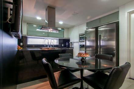 Cozinha: Cozinhas minimalistas por Nadiedja Melo Ceciliano Arquitetura e Interiores