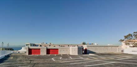 Vista exterior Universidad de Gibraltar: Escuelas de estilo  de Ayaltointegral
