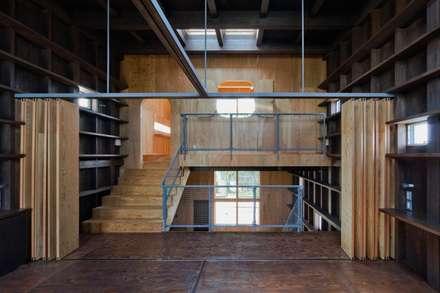 中2階から2階を: 一級建築士事務所 Coo Planningが手掛けた子供部屋です。