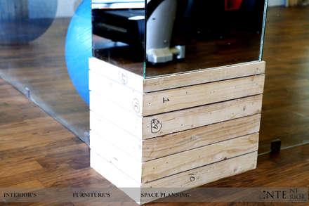 Pillar design: modern Gym by intent interior