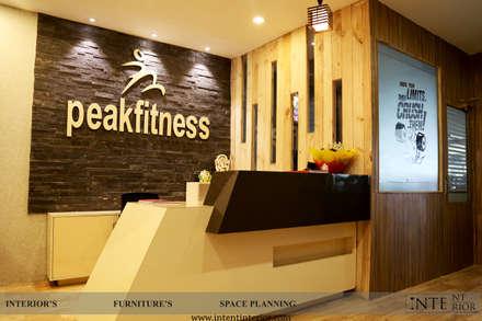 Reception : modern Gym by intent interior