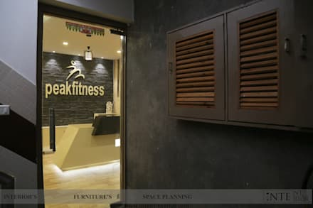 Entrance: modern Gym by intent interior