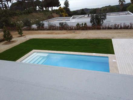 مسبح حديقة تنفيذ Imma Carner Arquitectura Interior