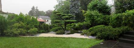 Japanische Gartenkunst trifft Moderne Kunst: asiatischer Garten von Kokeniwa Japanische Gartengestaltung