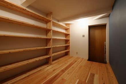 Corridor & hallway by 一級建築士事務所 Coo Planning