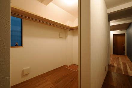 Phòng thay đồ by 一級建築士事務所 Coo Planning