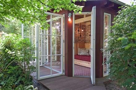 Casetta da giardino in stile  di Lena Klanten Architektin