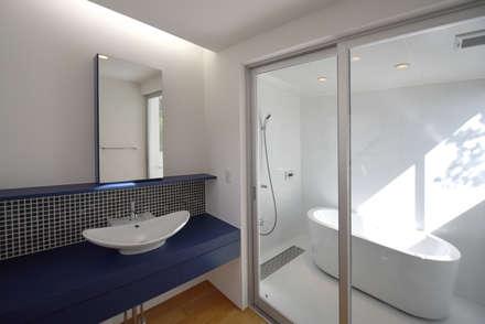 ห้องน้ำ by BDA.T / ボーダレスドロー