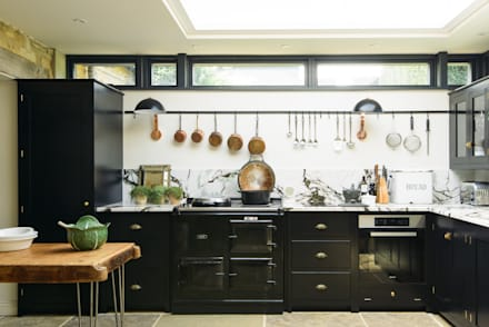The Chipping Norton Kitchen by deVOL:  Built-in kitchens by deVOL Kitchens