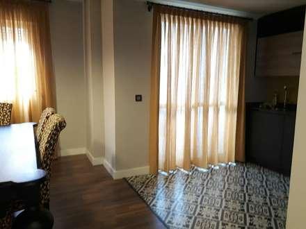 Proyecto reforma vivienda tipo piso: Cocinas de estilo ecléctico de Dkl interiorismo