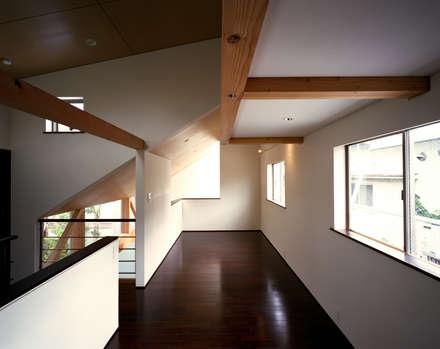 غرفة نوم مراهقين  تنفيذ 西島正樹/プライム一級建築士事務所