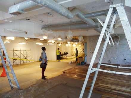 Avances de Obras, Vista desde el Lounge al Visualizer: Oficinas de estilo  por Eisen Arquitecto