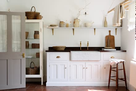 The Mill House Utility Room by deVOL: mediterranean Kitchen by deVOL Kitchens