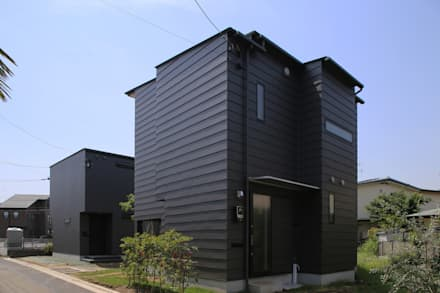 Villa a schiera in stile  di 西島正樹/プライム一級建築士事務所
