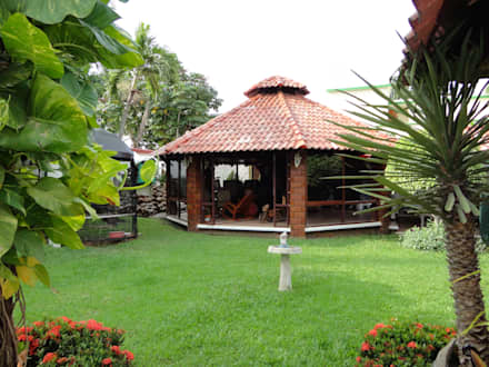 Palapa-Bar: Jardines de estilo moderno por Proyectos y Construcciones ROHCarq, S.A.S. de C.V.