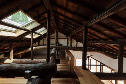 神戸大倉山の家: エイチ・アンド一級建築士事務所 H& Architects & Associatesが手掛けた子供部屋です。