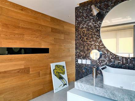 Casa N: modern Bathroom by Another Design International