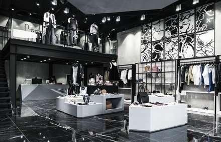 Distinqt Lifestyle Store:  Commercial Spaces by Plus Zero Two Design Studio