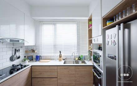 NAUTICA LAKESUITES CONDOMINIUM , KL: scandinavian Kitchen by BND STUDIO