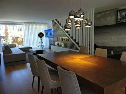 Comedores de estilo minimalista por Angelourenzzo - Interior Design