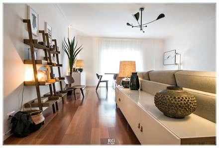 Industrial Feelings: Salas de estar ecléticas por RG Home Stylist