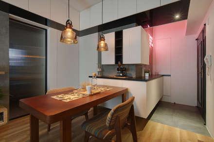 industrial Dining room by 御見設計企業有限公司