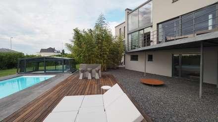 Villa mit Pool:  Villa von Bolz Licht & Design GmbH