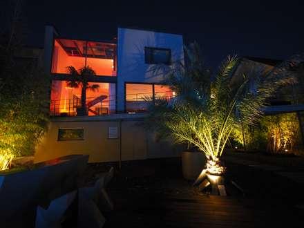Lichtdesign Villa:  Villa von Bolz Licht & Design GmbH