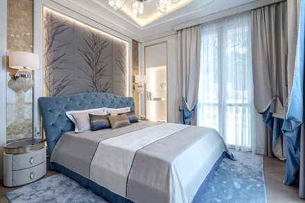 Elegant interior of a villa on Cote d'Azur.: Camera da letto in stile in stile Classico di NG-STUDIO Interior Design