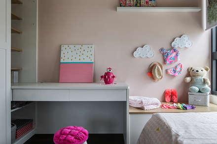 ห้องนอนเด็กหญิง by 達譽設計