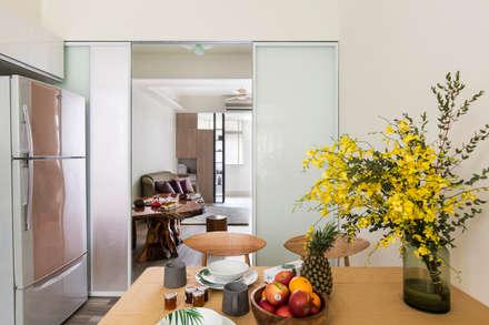 Puertas de vidrio de estilo  por 達譽設計