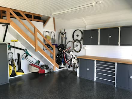 Garageflex Case Study of a Fantastic Garage Makeover in Hertfordshire: modern Garage/shed by Garageflex
