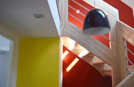 Escaleras de estilo  por LE RHUN Céline-Emmanuelle - Architecte d'intérieur