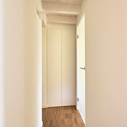 Appartamento BC: Porte in stile  di Studio Ecoarch