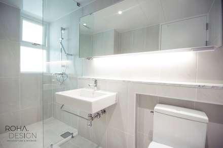 부산 해운대 센텀파크 아파트 인테리어: 로하디자인의  화장실