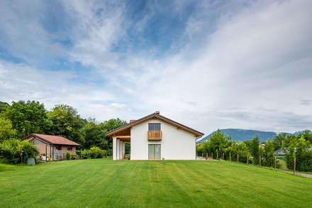 Casas rurales de estilo  de Woodbau Srl