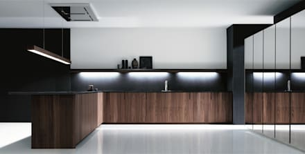 Cover Kitchens:  Kitchen units by PTC Kitchens