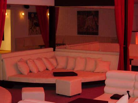 Bars & clubs by DISEÑO DE BARES Y RESTAURANTES B&Ö  Arquitectura, decoración, diseño de interiores y Muebles