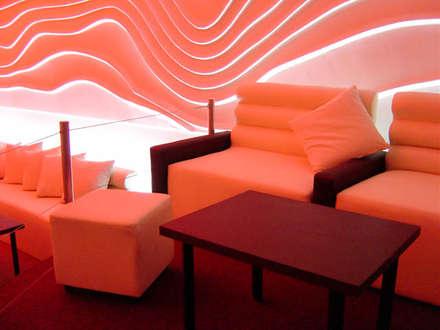 بار/ ملهى ليلي  تنفيذ DISEÑO DE BARES Y RESTAURANTES B&Ö  Arquitectura, decoración, diseño de interiores y Muebles