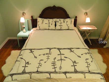 클래식한 가구도 캐주얼할 수 있다: 더디자인 the dsgn의  침실