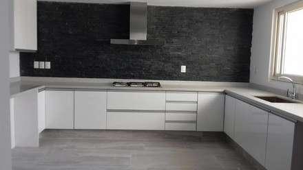 Built-in kitchens by K+A COCINAS Y ACABADOS DE MONTERREY SA DE CV