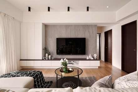 Salas / recibidores de estilo escandinavo por 層層室內裝修設計有限公司