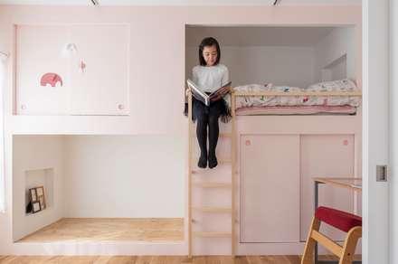 ห้องนอนเด็ก by 一色玲児 建築設計事務所 / ISSHIKI REIJI ARCHITECTS