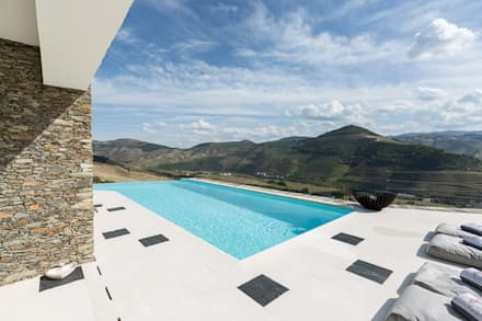 Infinity Pool by João Andrade e Silva Design