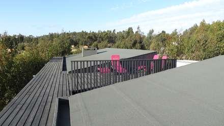 m2 estudio arquitectos의  지붕