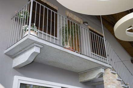Hoteles de estilo  por Canalmarmi e Graniti snc