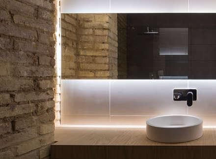 VIVIENDA: Baños de estilo industrial de NOAH MANAGEMENT S.L.